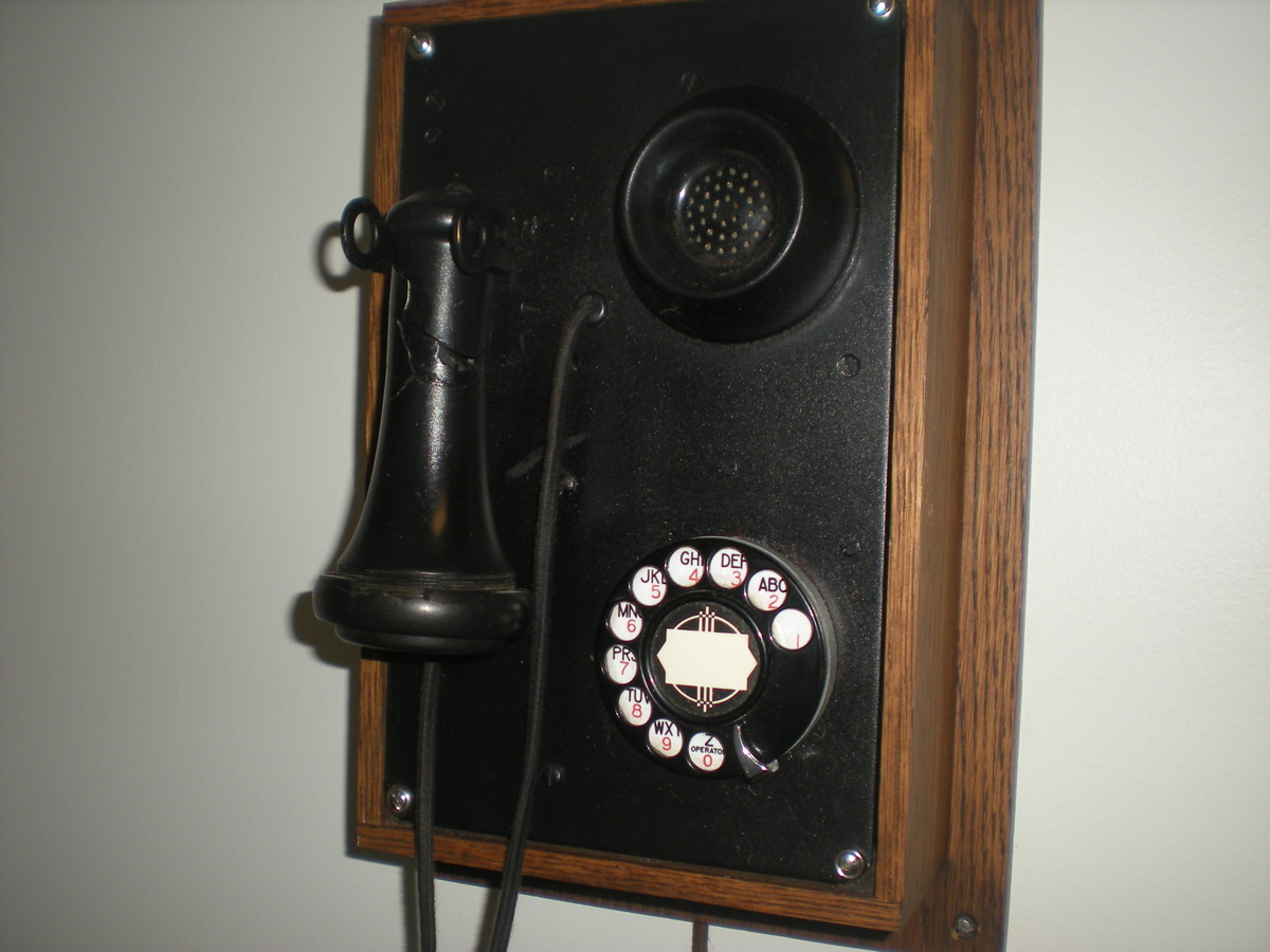 1930 39 S Kellogg Art Deco Wall Phone Collectors Weekly