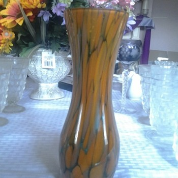 spotted vase - Art Glass