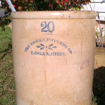 Logan pottery 20 gallon crock