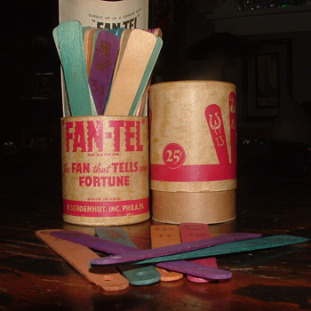 Schoenhut Fan-Tel Fortune Telling Game