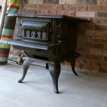 Old  Southern King Wood Stove  - Kitchen