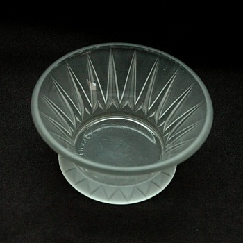 "small frosted glass bowl ""les cactus"" by andre hunebelle."