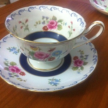 Shelley Teacup #13561 - China and Dinnerware