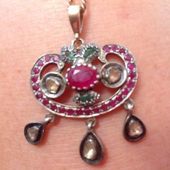 Mogul pendant - Fine Jewelry