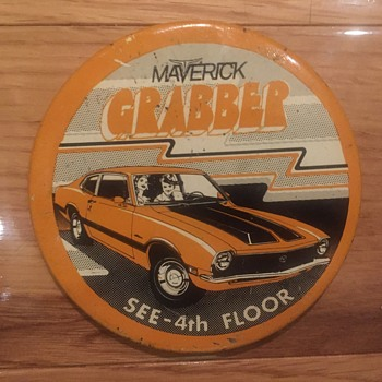Maverick grabber  - Medals Pins and Badges
