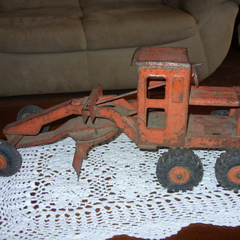 marx steel road grader - Model Cars
