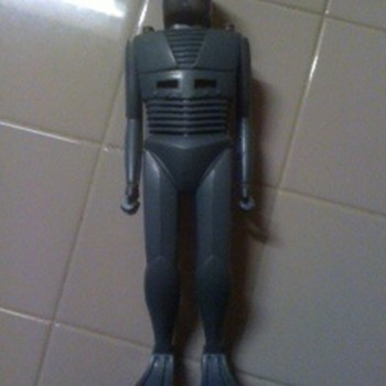 this is my robot I need any info on??  its 12'' inches tall.. help please - Toys