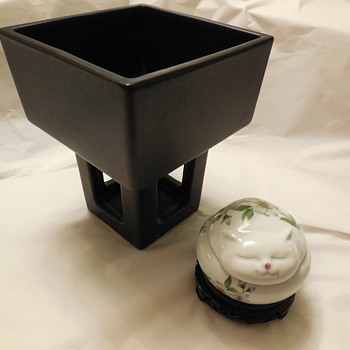 More Estate Sale Finds Pottery Flower Holder/Planter and Porcelain Cat Lidded Box