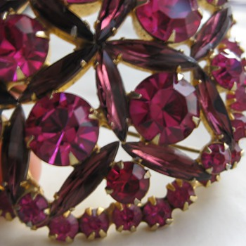 Unmarked fuschia rhinestone pin - Costume Jewelry