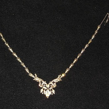 Gorgeous Art Deco Style Rhinestone Necklace