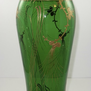 "Monumental Harrach ""glatt Maigrün"" vase, ca. 1903 - Art Glass"