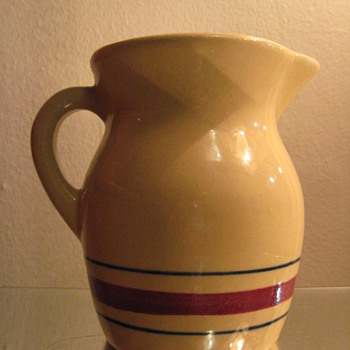 VINTAGE RRP ROSVILLE USA POTTERY PITCHER - Art Pottery
