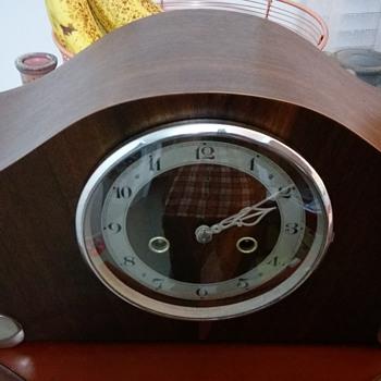 Enfield mantle Clock - Clocks