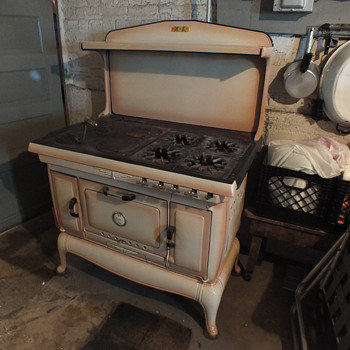 Dual fuel cast iron stove - Kitchen