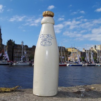 G COVELL NEWBIGGIN-BY-THE SEA GALLANT FOE ALL WHITE GINGER BEER - Bottles