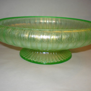 DEPRESSION BOWL - Glassware