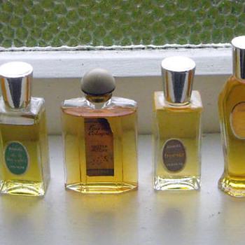 Vintage Perfumes Oooh La La! - Bottles