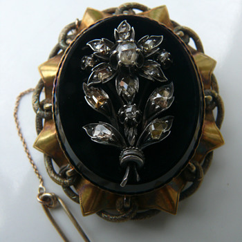 biedermeier brooch