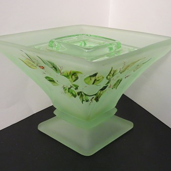 Bagley Glass Spinette Vase