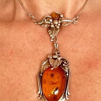 Silver Amber antique necklace/choker - Art Nouveau