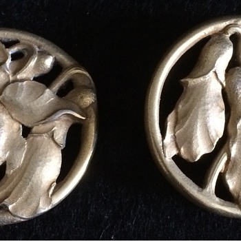 Two silver gilt buttons - Fine Jewelry