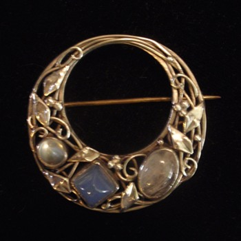 Australian Arts & Crafts brooch by Wager - Arts and Crafts