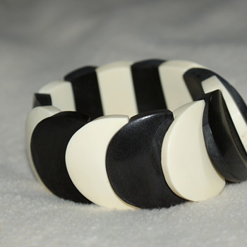 Vintage Bone Stretch Bracelet - Costume Jewelry
