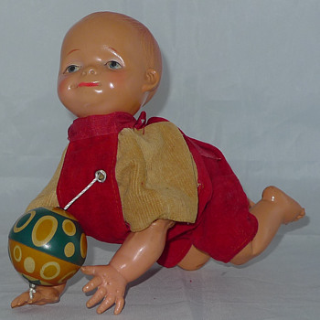 Pull ball baby crawls toy 1930's 1940's