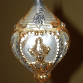 Cameo Victorian Lady and Roses Blown Glass Christmas Tree Ornament