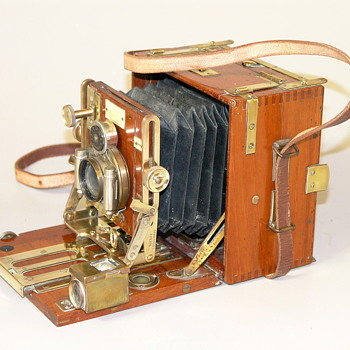 Later Sanderson 1/4 plate Tropical Hand &amp; Stand Camera, C.1935.