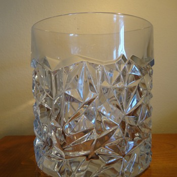AUTHENTIC TIFFANY & CO.  CRYSTAL  ICE BUCKET ( ROCK CUT MODEL)  - Art Glass