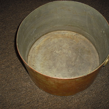 SOLID COPPER POT