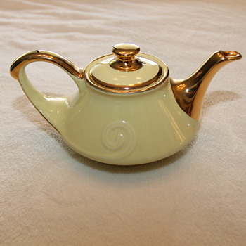 China Teapot from 1930