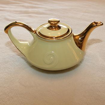 China Teapot from 1930 - China and Dinnerware