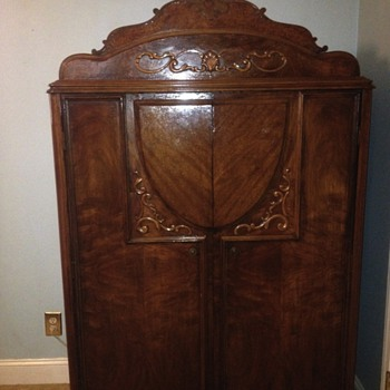 I bought this wardrobe at a garage sale for 200