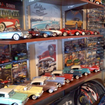 Just a few images of my growing muscle car collection...