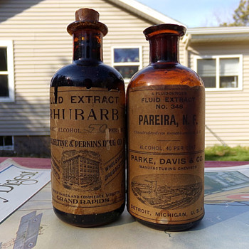 Parke, Davis, & Co. Paper Label/Product - Bottles