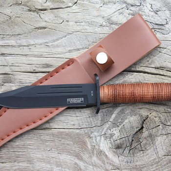 """DEFENDER XTREME"" MILITARY-Style CAMPING/HUNTING KNIFE"
