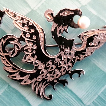 Amita Sterling Japan Brooch