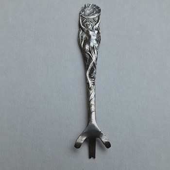 Art Nouveau Figural Sterling Caviar Spoon - Sterling Silver