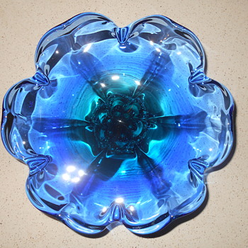 CZECHOSLOVAKIA ? MCM BLUE ART GLASS COMPOTE CENTERPIECE HELP !