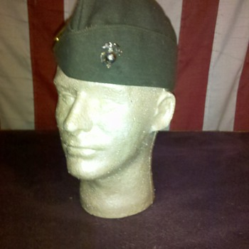WWII USMC Officer over seas cap with rank &amp; EGA insignia