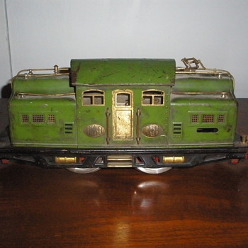 Pre-War Lionel Standard Gauge Train #318 - Model Trains