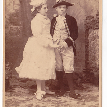 Elmer Chichering Cabinet card of 2 children in costume