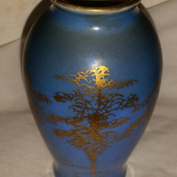 OLD Mini chinese vase hand painted gold +signed