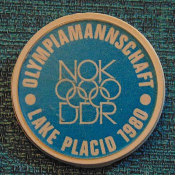 1980 Lake Placid Olympics DDR OlympiaMannschaft pin