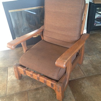 Who made this reclining chair??