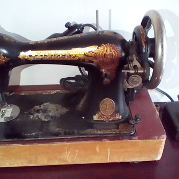 1894 Electric Singer Sewing Machine