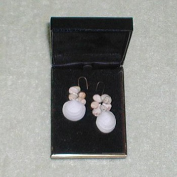 Ladies Seashell Earrings - Costume Jewelry