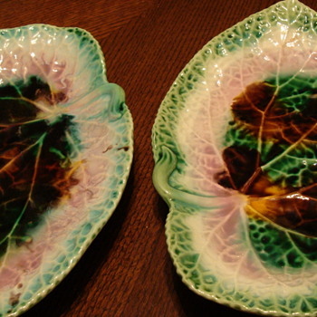 leaf plates - Art Pottery